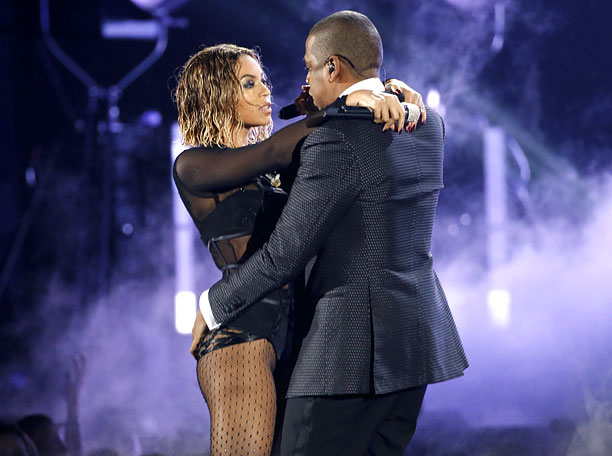 Mr. & Mrs. Carter have amassed an arsenal of hits with names including ''Blow,'' ''Fever,'' ''Ring the Alarm,'' ''D'evils,'' and ''Lucifer,'' so the dress code…