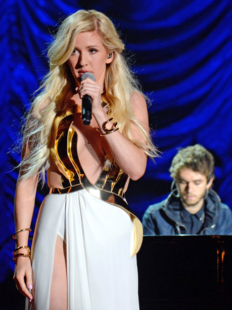 MTV Movie Awards 2014 | Making one last push for Divergent , soundtrack stars Ellie Goulding and Zedd stepped up to the mic for a performance than ran the gamut.…