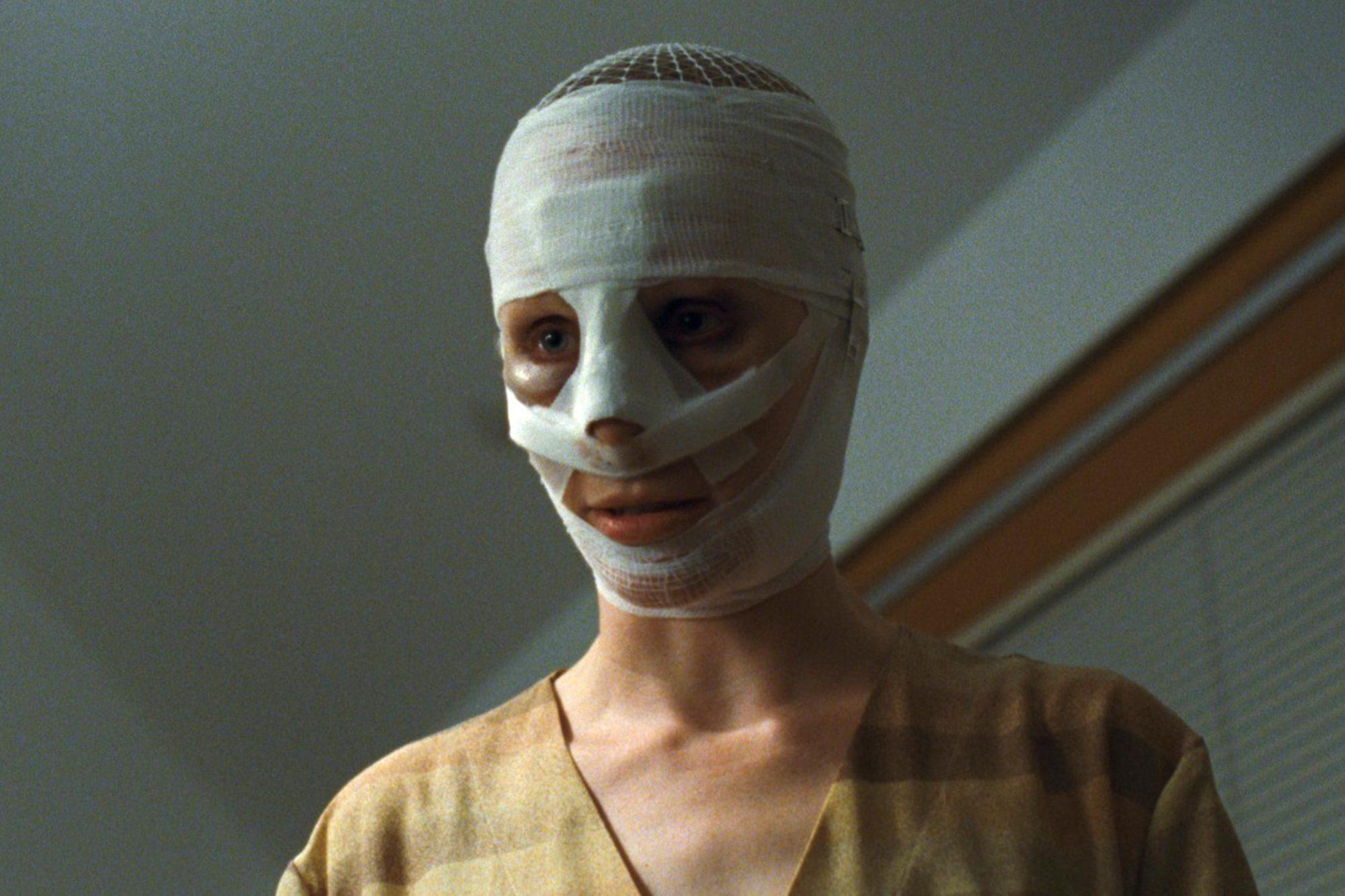 Goodnight Mommy (2015)Susanne Wuest