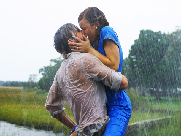 Ryan Gosling, Rachel McAdams, ... | The Notebook 's lift-and-walk kiss in the rain is MTV Movie Award-winning, but Dear John 's lift-and-sit kiss in the rain wasn't even nominated? That's…
