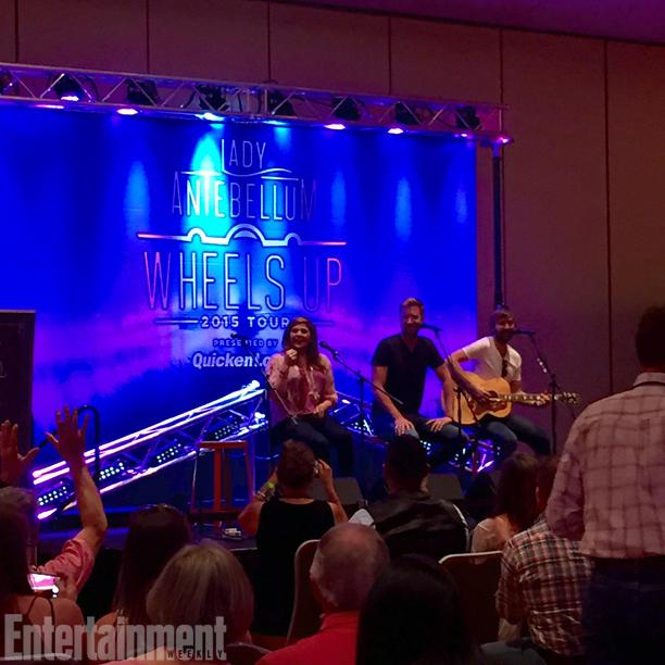 VIP Pre-show acoustic set