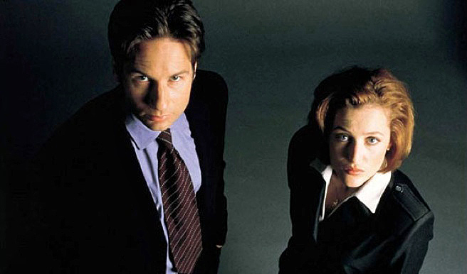 Fox Mulder & Dana Scully, The X-Files (David Duchovy and Gillian Anderson)