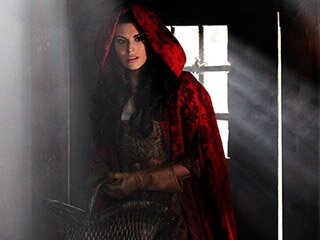 Once Upon A Time Recap Little Red Riding Hood S Backstory Ew Com