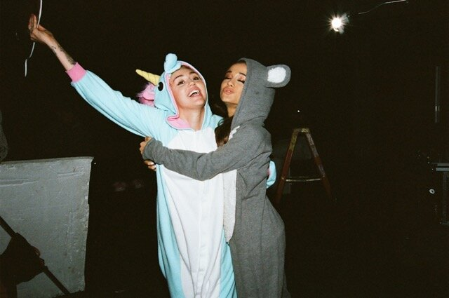 Miley Cyrus Amp Ariana Grande Cover Don T Dream It S Over For Happy Hippie Foundation Ew Com