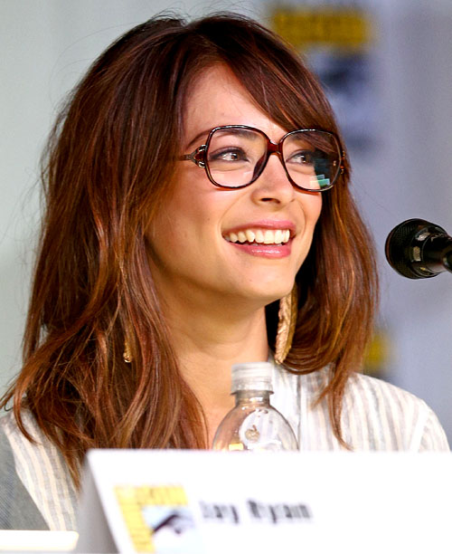 San Diego Comic-Con 2013, Beauty and the Beast, ... | Kristin Kreuk flashes a smile during the Beauty And The Beast panel