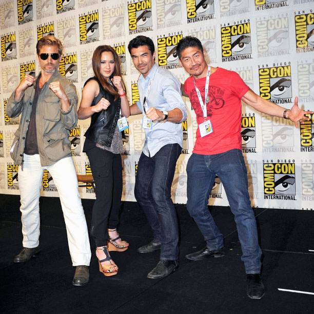 San Diego Comic-Con 2013, Mortal Kombat, ... | Casper Van Dien, Samantha Jo, Ian Anthony Dale, and Brian Tee ready to rumble after the Mortal Kombat: Legacy : Season 2 panel