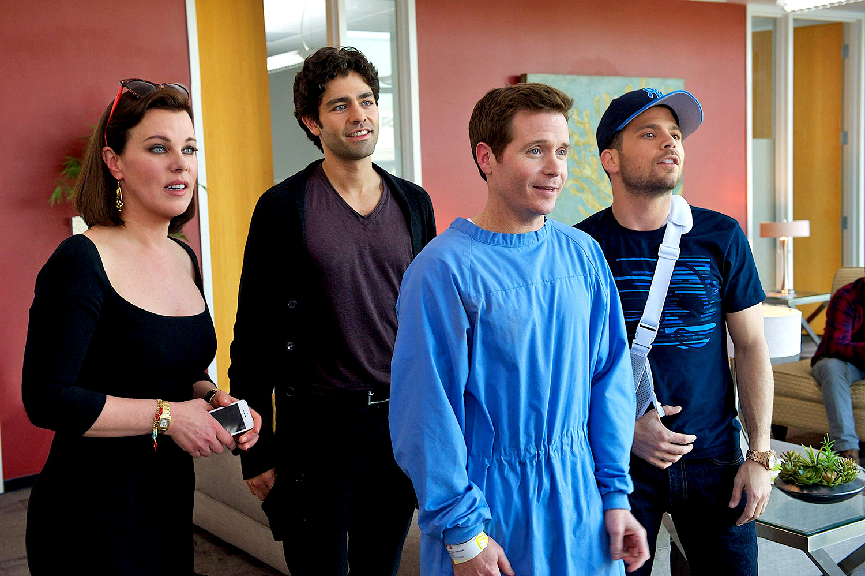 Debi Mazar, Adrian Grenier, Kevin Connolly, and Jerry Ferrara in Entourage