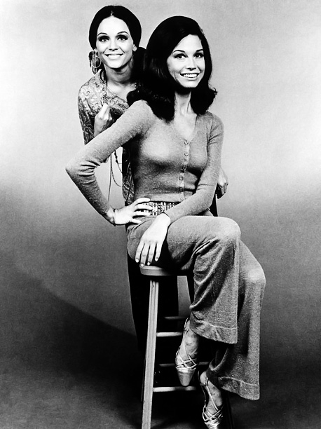 Valerie Harper, Mary Tyler Moore, ... | Are you a Mary or a Rhoda? We don't think it matters. Both were awesome leading ladies whose friendship came before the men in their…