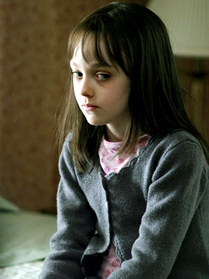 Dakota Fanning, Hide and Seek   CHILD'S PLAY After Mom's suicide, Dad (Robert De Niro) moves with Emily to a remote woodland house. That's when the hostile ''Charlie'' starts making his…