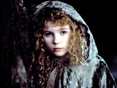 Kirsten Dunst, Interview With the Vampire: The Vampire Chronicles | CHILD'S PLAY Saved — and damned — when mature vamps Louis (Brad Pitt) and Lestat (Tom Cruise) give her a transfusion, Claudia becomes part of…