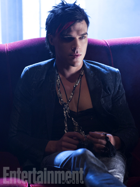 Tristan (Finn Wittrock)