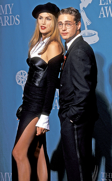 Cindy Crawford took it to 90210 with Jason Priestley at the 1992 Emmy Awards