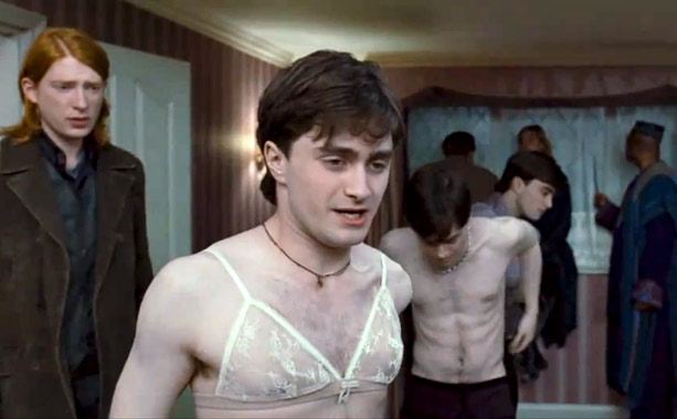 Daniel Radcliffe, Harry Potter, ...   Harry Potter fans—those who hadn't seen him in his birthday suit in the Broadway revival of Equus , that is—were shocked to see Radcliffe in…