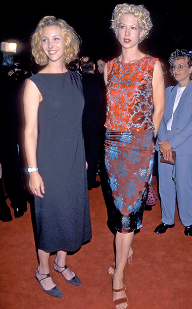 Lisa Kudrow and Jenna Elfman were gal pals in 1998