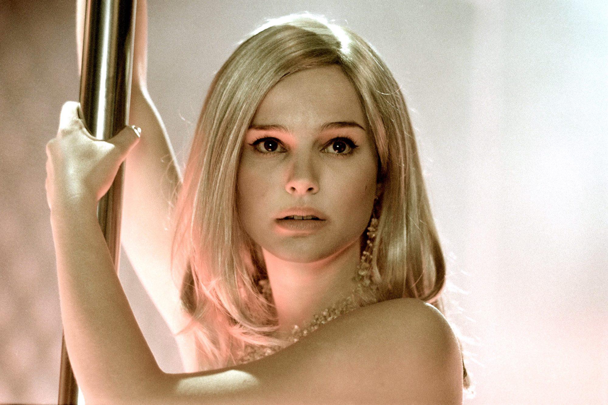 CLOSER, Natalie Portman, 2004, (c) Columbia/courtesy Everett Collection