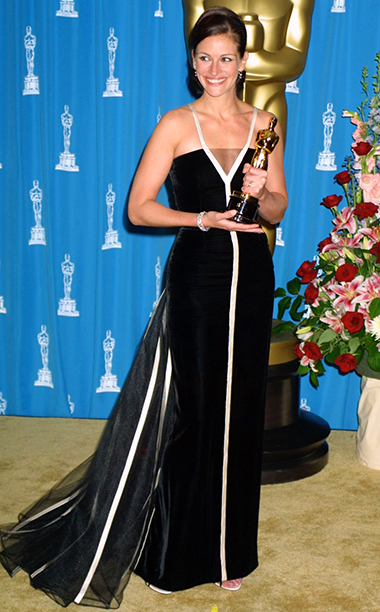 Julia Roberts in Vintage Valentino, 2001 Academy Awards