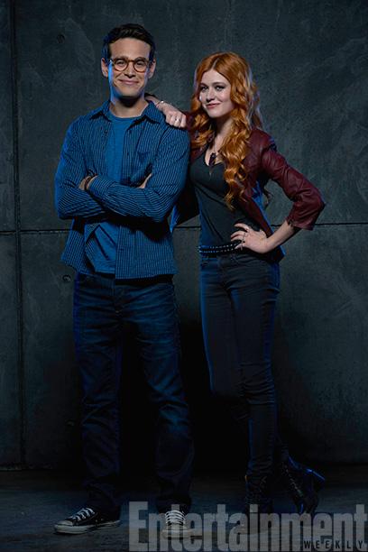 Simon Lewis (Alberto Rosende) and Clary Fray (Katherine McNamara)