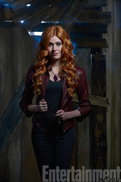 Clary Fray (Katherine McNamara)