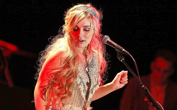 Nashville Star Clare Bowen Explains Why She Cut Her Hair Ew Com