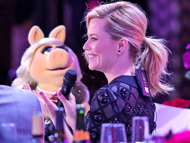 Miss Piggy and Elizabeth Banks