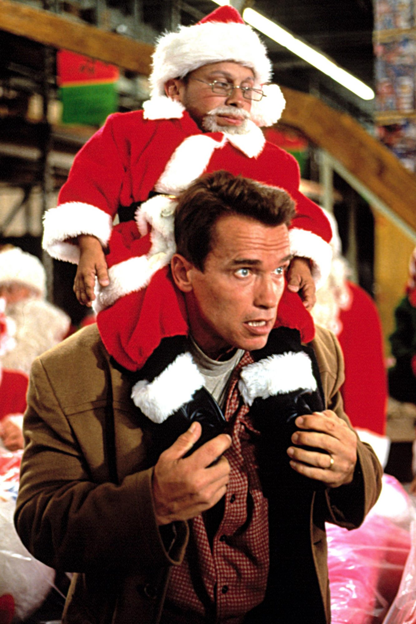 JINGLE ALL THE WAY, Verne Troyer, Arnold Schwarzenegger, 1996, TM and Copyright (c)20th Century Fox