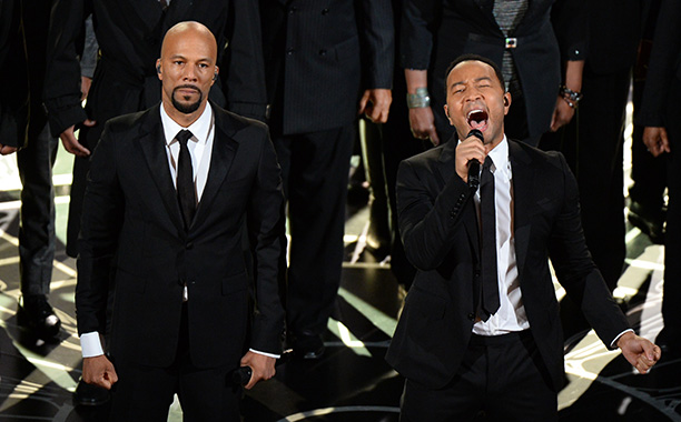 """John Legend and Common perform """"Glory"""" at the Oscars"""