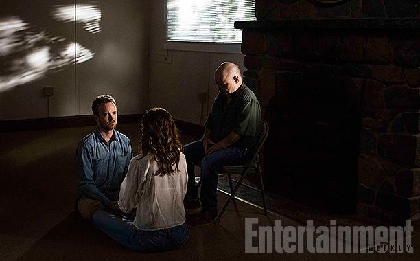 Eddie (Aaron Paul) and Sarah Lane (Michelle Monaghan)