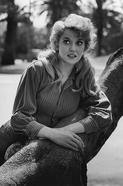 1963: Donna Douglas (for Television)