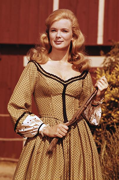 1964: Linda Evans