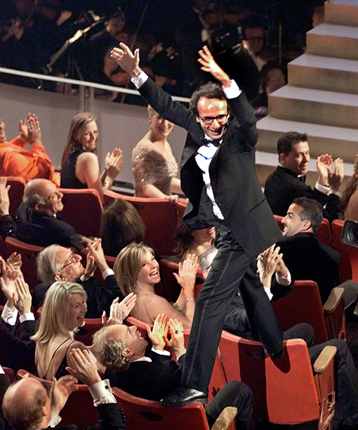 Roberto Benigni Climbs Over People's Seats to Reach the Podium, 1998 Oscars