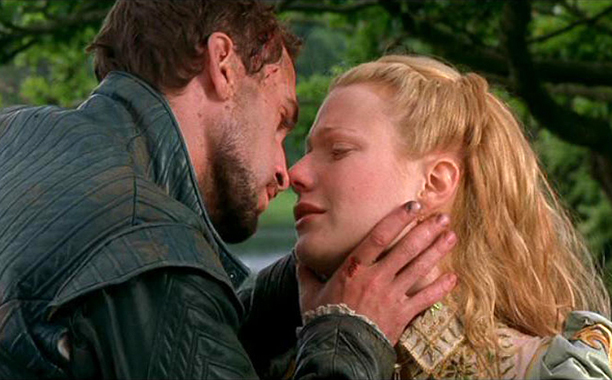 Will and Viola (Joseph Fiennes and Gwyneth Paltrow) in Shakespeare in Love
