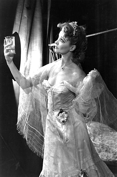 2. Vivien Leigh as Blanche DuBois