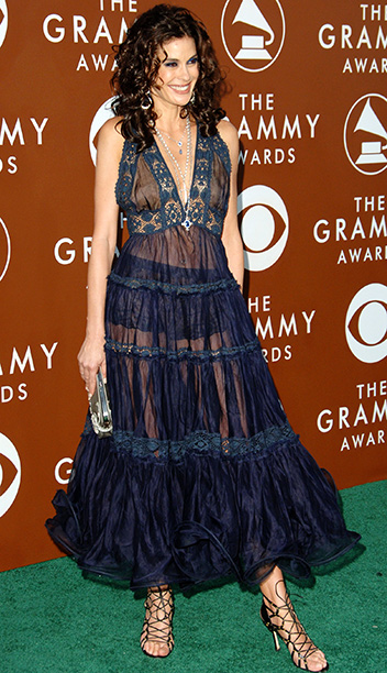 How to describe the see-through pinafore Teri Hatcher wore in 2006... Little Tramp on the Prairie?