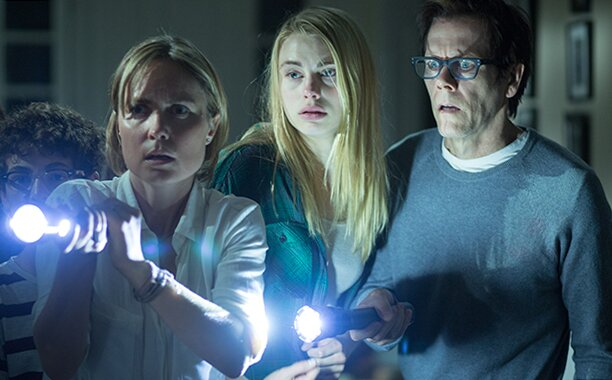 The Darkness Trailer Kevin Bacon Has A Creepy Kid In Horror Movie Ew Com