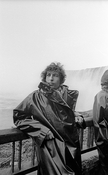 Bob Dylan Visiting Niagara Falls in November 1975