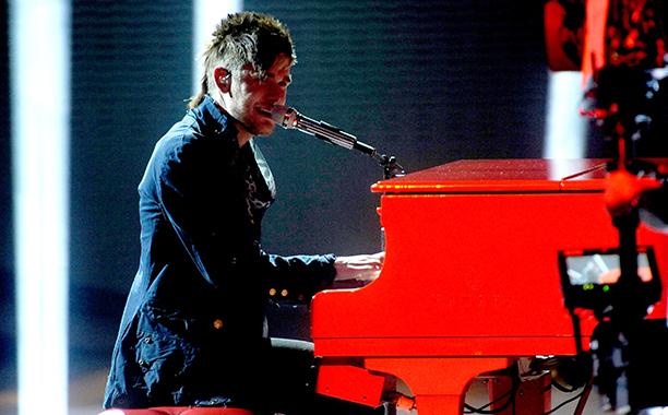 """Colton Dixon, """"Piano Man"""""""