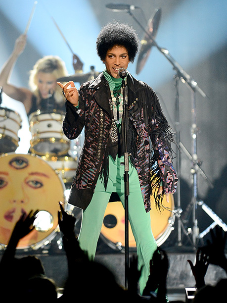 Prince Performing at the 2013 Billboard Music Awards on May 19, 2013