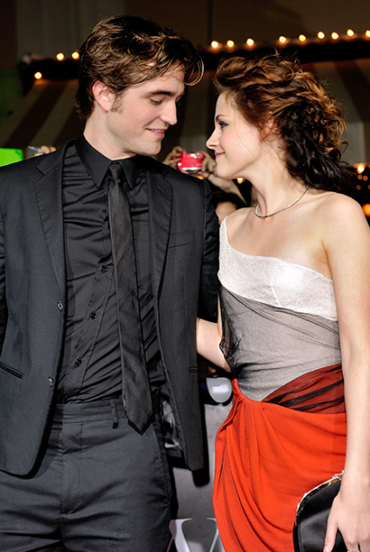 Robert Pattinson With Kristen Stewart at the California Premiere of Twilight on November 17, 2008