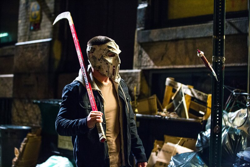 Teenage Mutant Ninja Turtles 2 Stephen Amell S Secret To Playing Casey Jones In Out Of The Shadows Ew Com