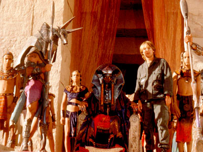 James Spader, Jaye Davidson, ... | An intergalactic portal transports a team of scientists to a distant world that looks like a futuristic ancient Egypt (the oxymoron actually makes sense in…