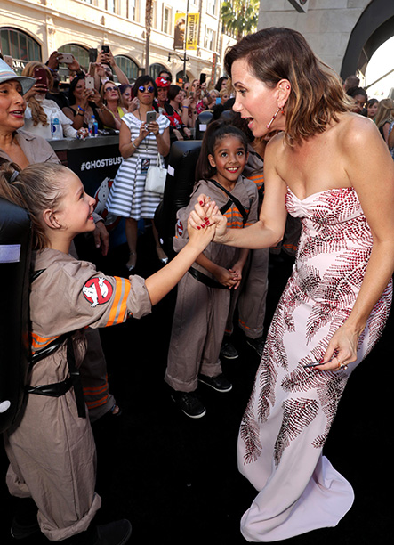 Kristen Wiig With a Young Ghostbusters Fan