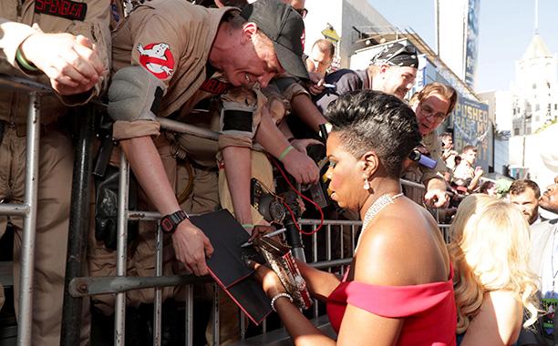 Leslie Jones With Ghostbusters Fans