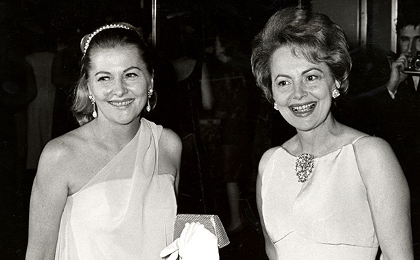 Olivia de Havilland With Her Sister Joan Fontaine in New York City on September 9, 1967