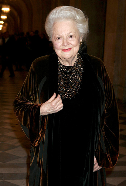 Olivia de Havilland in Versailles on November 28, 2005