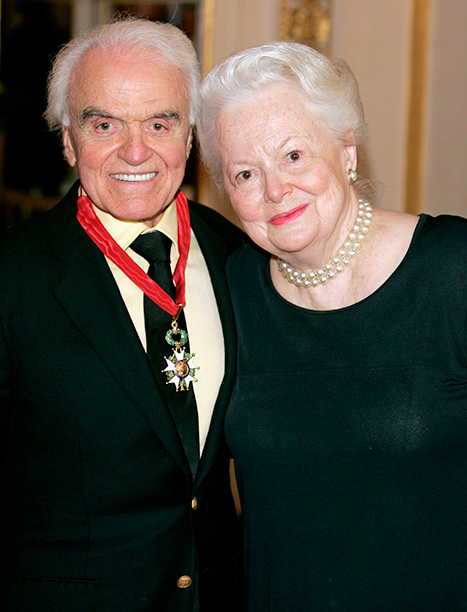Olivia de Havilland With Jack Valenti in Paris on September 6, 2004