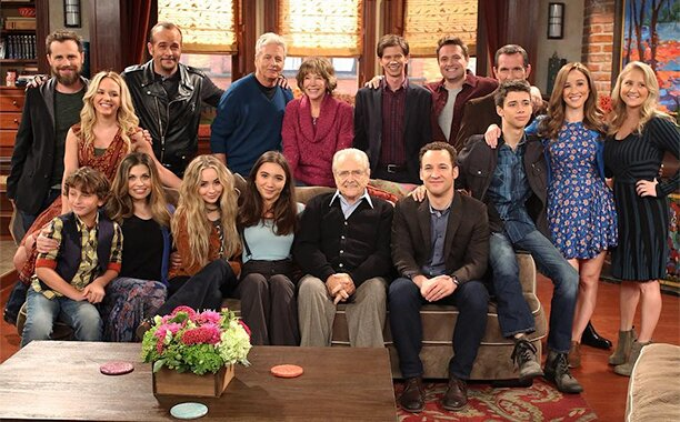 Boy Meets World cast reunites on Girl Meets World set | EW.com