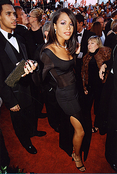Aaliyah at the Academy Awards in 1998