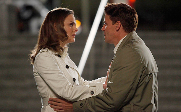 """Booth to Bones in """"The Parts in the Sum of the Whole"""" on Bones"""