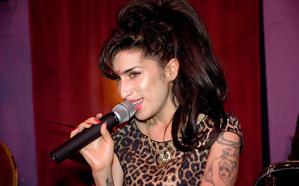 Amy Winehouse Performing in London on October 7, 2010