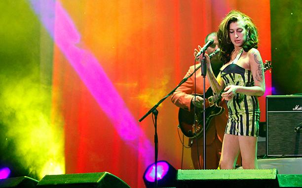 Amy Winehouse Performing at Kalemegdan Park in Belgrade, Serbia on June 18, 2011